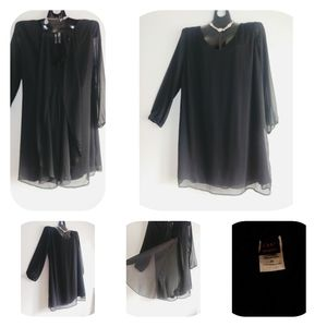 Wrapper 2x Black long sleeve dress flowy